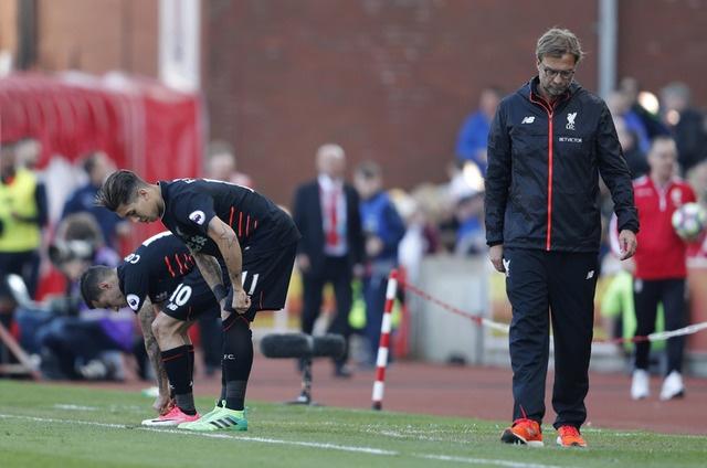 Stoke vs Liverpool (1-2): 'The Kop' ghi 2 ban trong 2 phut hinh anh 20
