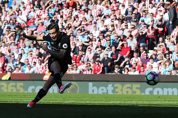 Stoke vs Liverpool (1-2): 'The Kop' ghi 2 ban trong 2 phut hinh anh 23