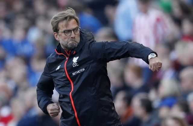 Stoke vs Liverpool (1-2): 'The Kop' ghi 2 ban trong 2 phut hinh anh 27