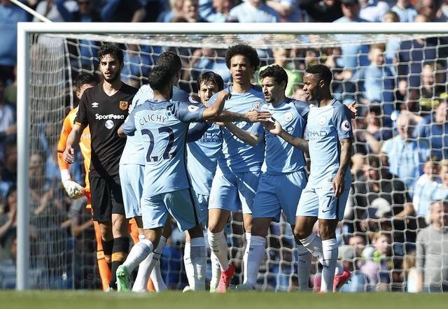 Stoke vs Liverpool (1-2): 'The Kop' ghi 2 ban trong 2 phut hinh anh 14