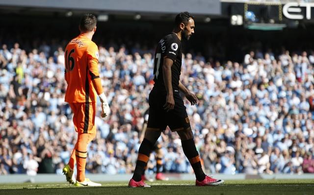 Stoke vs Liverpool (1-2): 'The Kop' ghi 2 ban trong 2 phut hinh anh 13