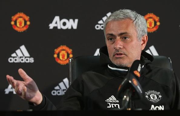 Mourinho yeu cau MU chi 200 trieu bang cho 5 tan binh hinh anh 1