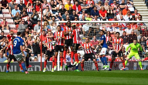Sunderland vs Man Utd (0-3): Ibra kien tao, Rashford lap cong hinh anh 11
