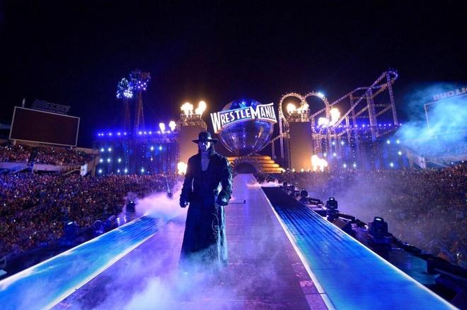 Huyen thoai WWE The Undertaker co the tai xuat hinh anh 2