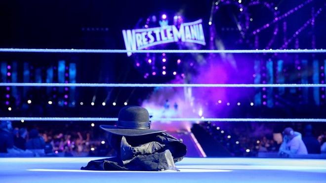 Huyen thoai WWE The Undertaker co the tai xuat hinh anh 1