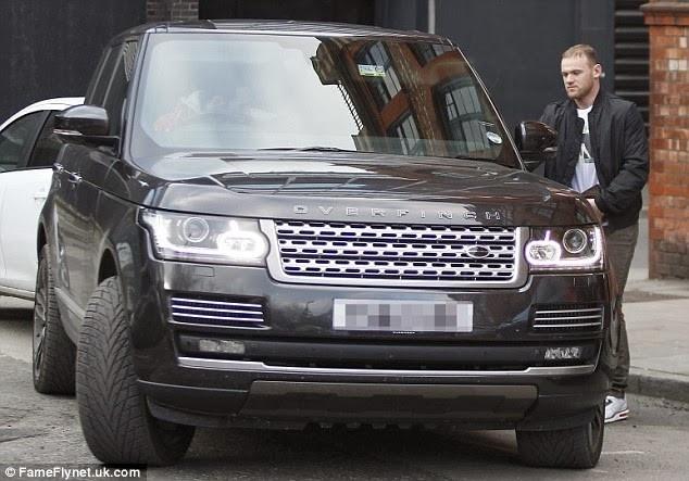 Khong duoc ra san, Rooney 'dot tien' cho xe sang moi hinh anh 6