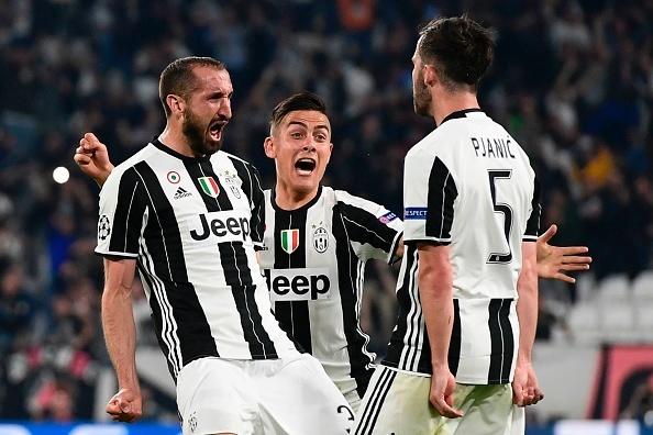 Juventus lap hang loat ky luc sau tran thang Barca hinh anh 1