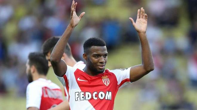 Dortmund, Monaco: 2 'sieu thi' dat hang nhat phien cho he 2017 hinh anh 7