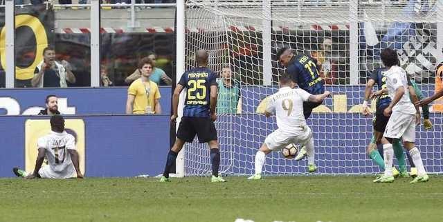 Bo doi trung ve Milan khien Inter om han o tran derby thu 166 hinh anh 9