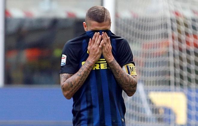 Bo doi trung ve Milan khien Inter om han o tran derby thu 166 hinh anh 10