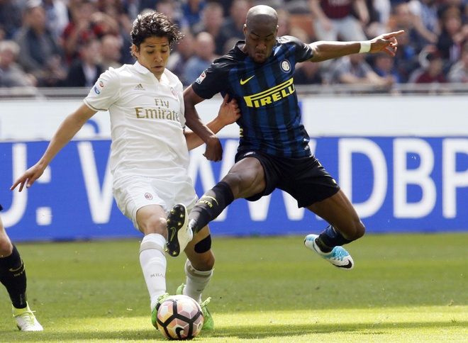 Bo doi trung ve Milan khien Inter om han o tran derby thu 166 hinh anh 1