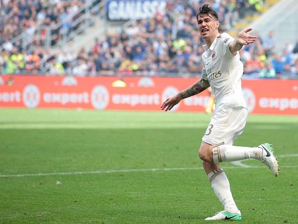 Bo doi trung ve Milan khien Inter om han o tran derby thu 166 hinh anh 8
