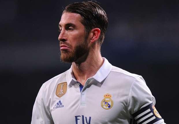 Ramos: 'Pique nen xem lai bang ghi hinh tran Barca - PSG' hinh anh