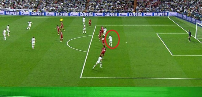 Pique 'can loi' khi chung kien Ronaldo ghi ban giai cuu Real hinh anh 2