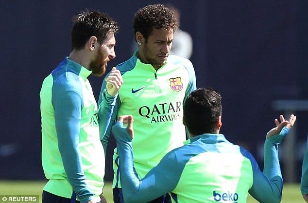 Tam trang trai nguoc cua Ronaldo,  Messi anh 3