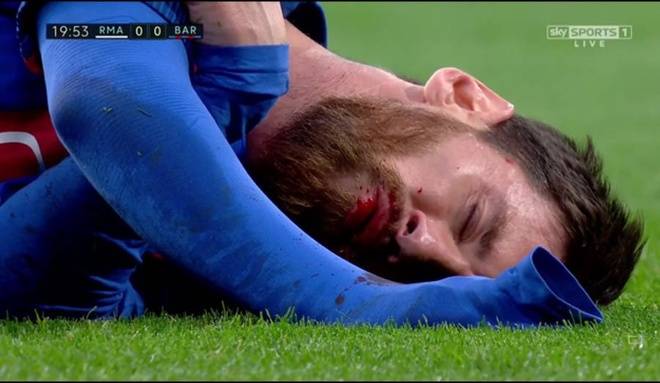 Bi thuc cui cho chay mau mom, Messi solo qua 2 cau thu Real ghi ban hinh anh 1