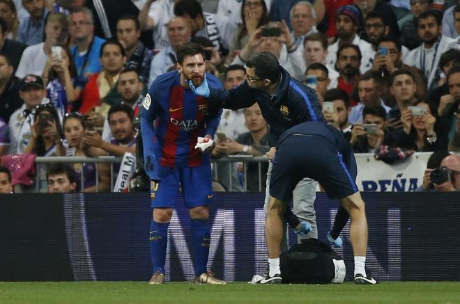 Bi thuc cui cho chay mau mom, Messi solo qua 2 cau thu Real ghi ban hinh anh 3