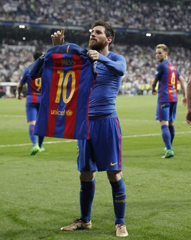 Messi lam CDV Real chet lang bang man an mung dac biet hinh anh 3