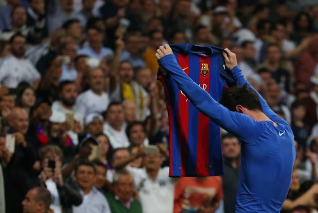 Messi lam CDV Real chet lang bang man an mung dac biet hinh anh 2