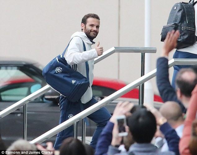 Mourinho don 2 tru cot tro lai anh 6