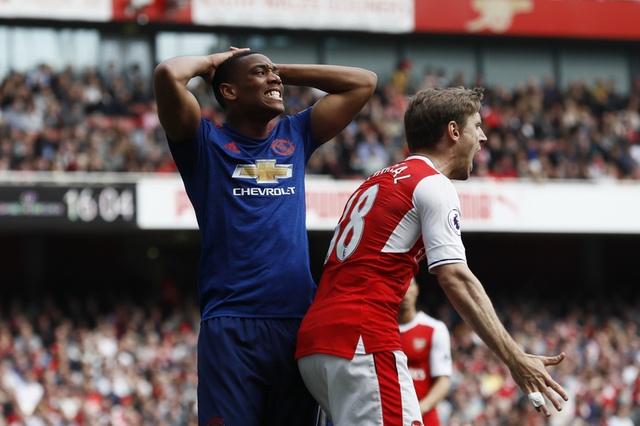 Truc tiep Arsenal vs MU anh 17
