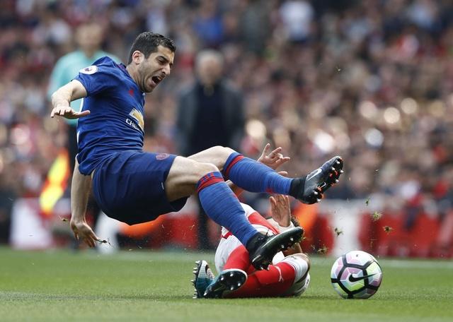 Truc tiep Arsenal vs MU anh 18
