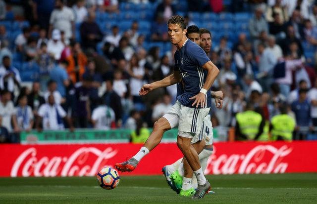 Real vs Sevilla (4-1): Ronaldo lap cu dup hinh anh 8