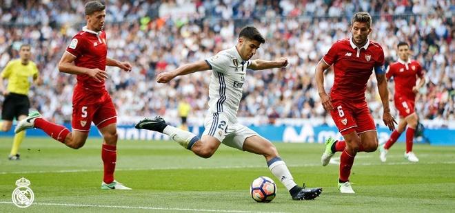 Real vs Sevilla (4-1): Ronaldo lap cu dup hinh anh 12