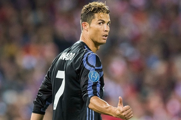 Ronaldo lap cu dup, Real cham mot tay vao chuc vo dich La Liga hinh anh