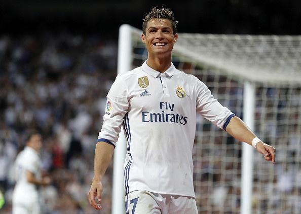 Ronaldo lap cu dup, Real cham mot tay vao chuc vo dich La Liga hinh anh 7