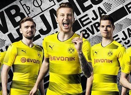 Aubameyang vang mat trong quang cao ao dau moi cua Dortmund hinh anh