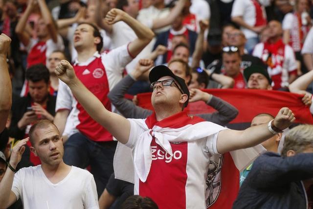 Pogba toa sang, MU lan dau dang quang Europa League hinh anh 10