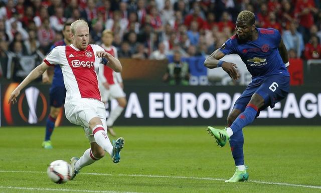 Pogba toa sang, MU lan dau dang quang Europa League hinh anh 1