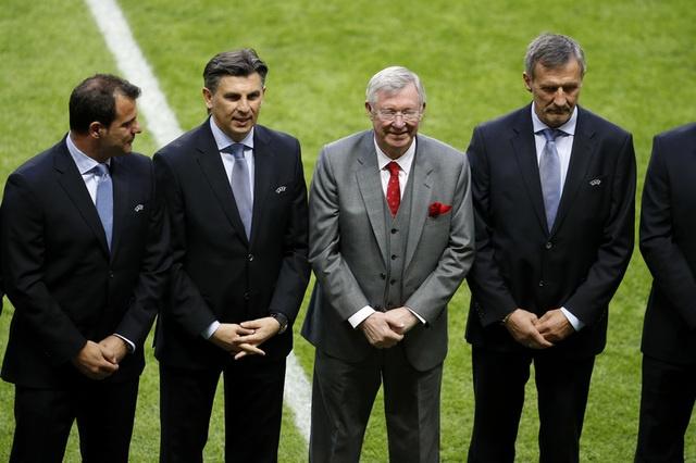 Pogba toa sang, MU lan dau dang quang Europa League hinh anh 14