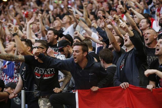 Pogba toa sang, MU lan dau dang quang Europa League hinh anh 11