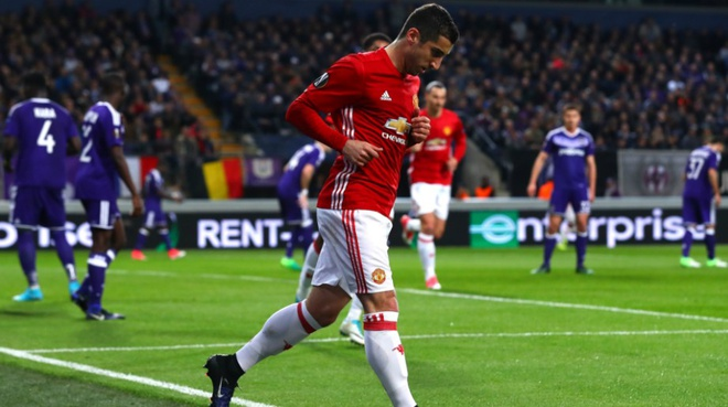 Doi hinh hay nhat Europa League: Vinh danh nha vo dich hinh anh 6