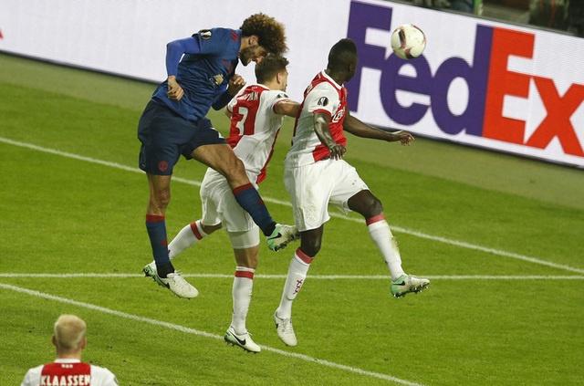 Pogba toa sang, MU lan dau dang quang Europa League hinh anh 36