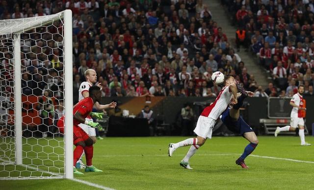 Pogba toa sang, MU lan dau dang quang Europa League hinh anh 32