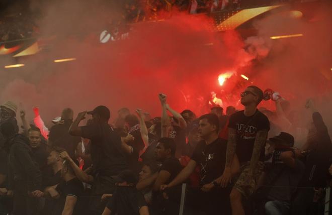 Pogba toa sang, MU lan dau dang quang Europa League hinh anh 34