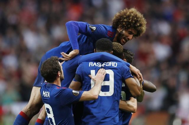 Pogba toa sang, MU lan dau dang quang Europa League hinh anh 25