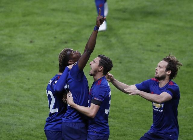 Pogba toa sang, MU lan dau dang quang Europa League hinh anh 26