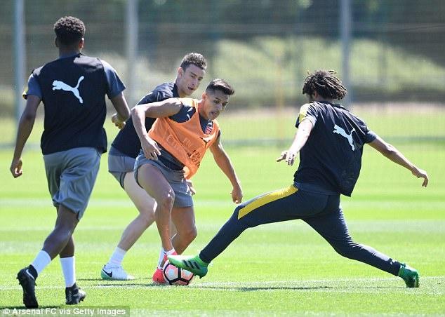 Sanchez tro tai lam thu mon truoc them chung ket FA Cup hinh anh 5