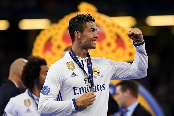 Ronaldo: 'Con ai dam chi trich toi nua khong?' anh 1