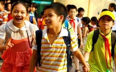 Tuyen sinh dau cap tai Ha Noi: Nong mua 'chay' truong hinh anh