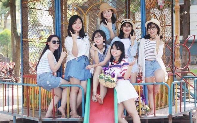 Teen chuyen Phan Boi Chau xinh dep trong video hau truong ky yeu hinh anh