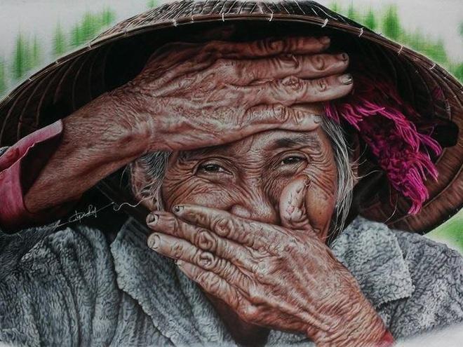 Chang trai Gia Lai ve tranh chan dung song dong nhu that hinh anh
