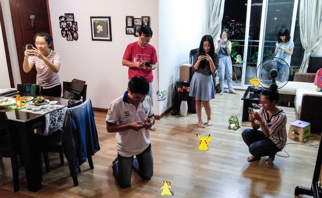 Cong an Quang Tri cam can bo chien si choi Pokemon anh 1