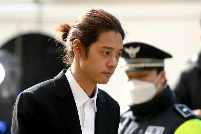 Jung Joon Young phu nhan cao buoc hiep dam hinh anh 1