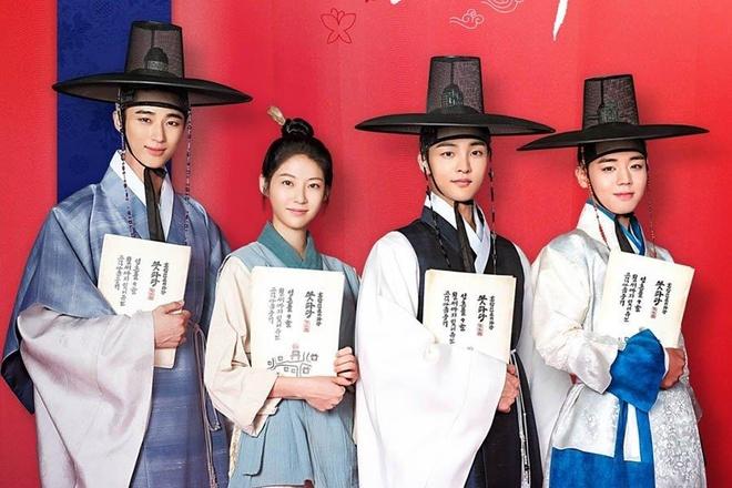 Song Joong Ki, Ji Chang Wook tan cong man anh nho xu Han thang 9 hinh anh 2