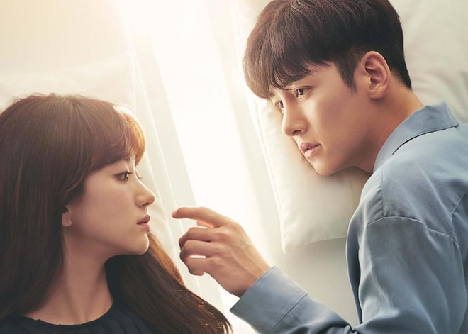 Song Joong Ki, Ji Chang Wook tan cong man anh nho xu Han thang 9 hinh anh 5